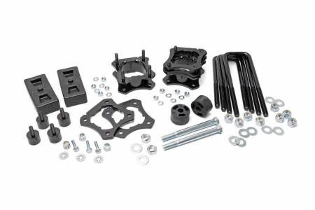 Rough Country 2.5-3IN TOYOTA LEVELING LIFT KIT (07-21 TUNDRA 2WD & 4WD)