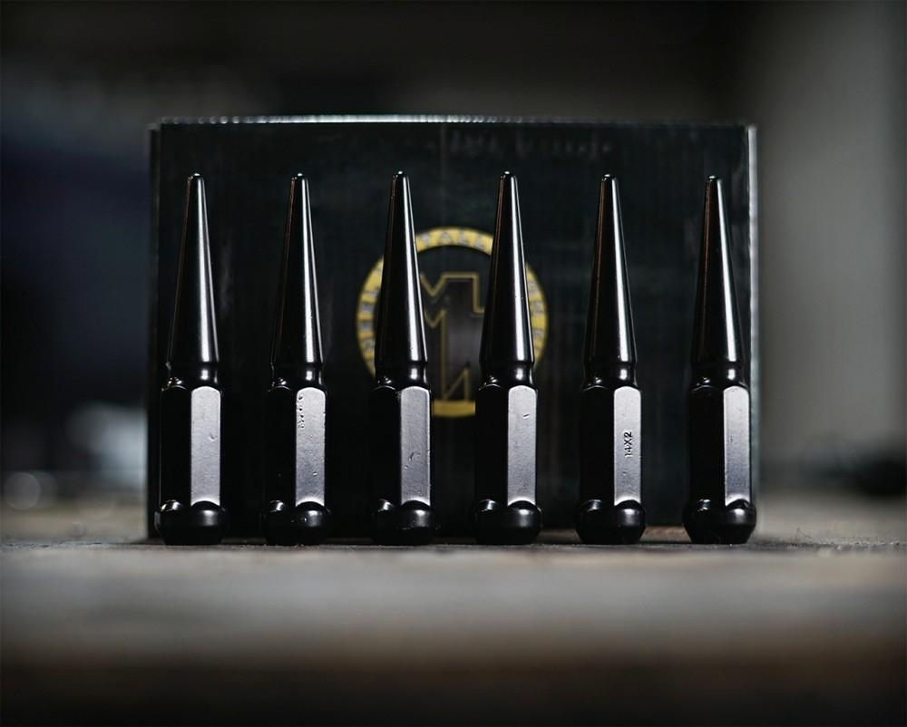 Metal Lugs Spiked Lug Nuts Black 8 lug