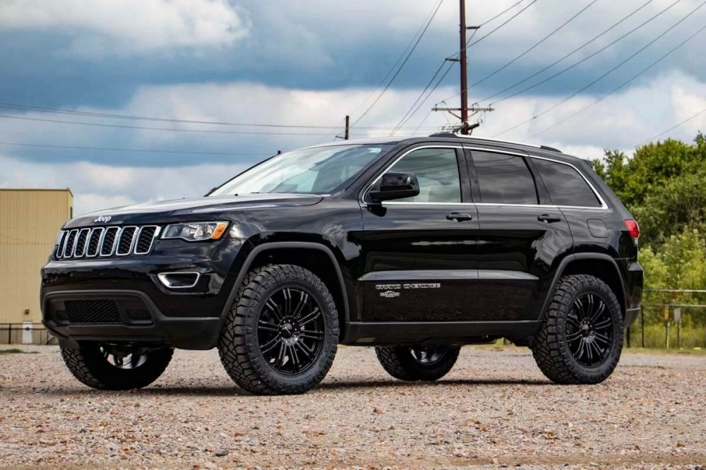 rough country 60300 2 5in jeep lift kit 11 19 grand cherokee wk2 sd wheel rough country 2 5in jeep lift kit 11 19 grand cherokee wk2