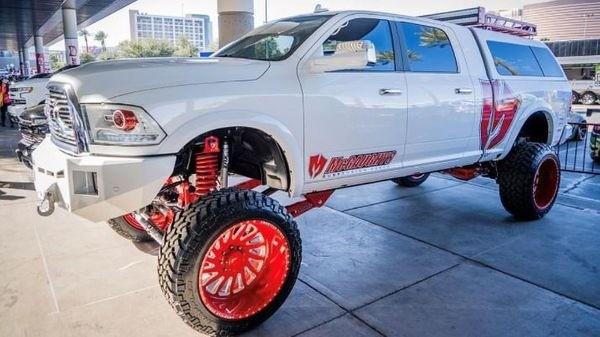 "McGaughys 10"" Premium Lift Kit (4-Link, RAW) for 2014-2019 Dodge Ram 2500 (4WD)"