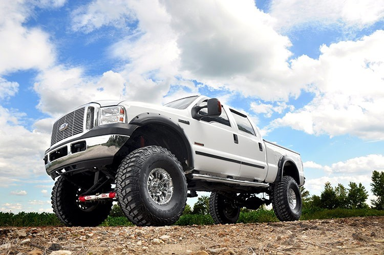 "Rough Country 8"" Ford Suspension Lift System (Diesel Or V10) Production Date After 3-1-1999"