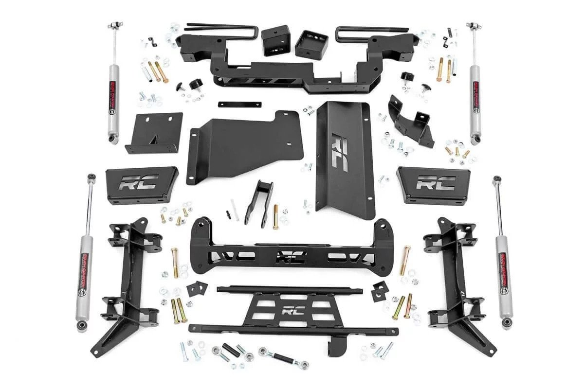 "Rough Country 6"" GM Suspension Lift Kit"