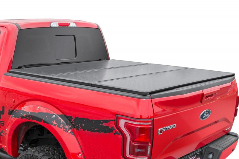 Rough Country Toyota Hard Tri-Fold Bed Cover (16-19 Tacoma - 5\' Bed w/Cargo Mgmt)
