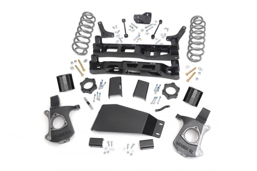 """Rough Country 5"""" GM Suspension Lift Kit"""