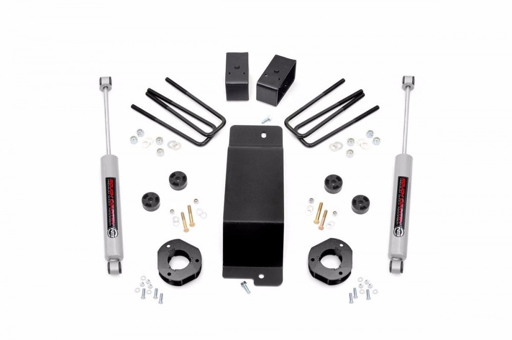 "Rough Country 3.5"" GM Suspension Lift Kit (07-16 1500 PU 4WD) Fits Vehicles w/   Factory Cast Steel Control Arms"