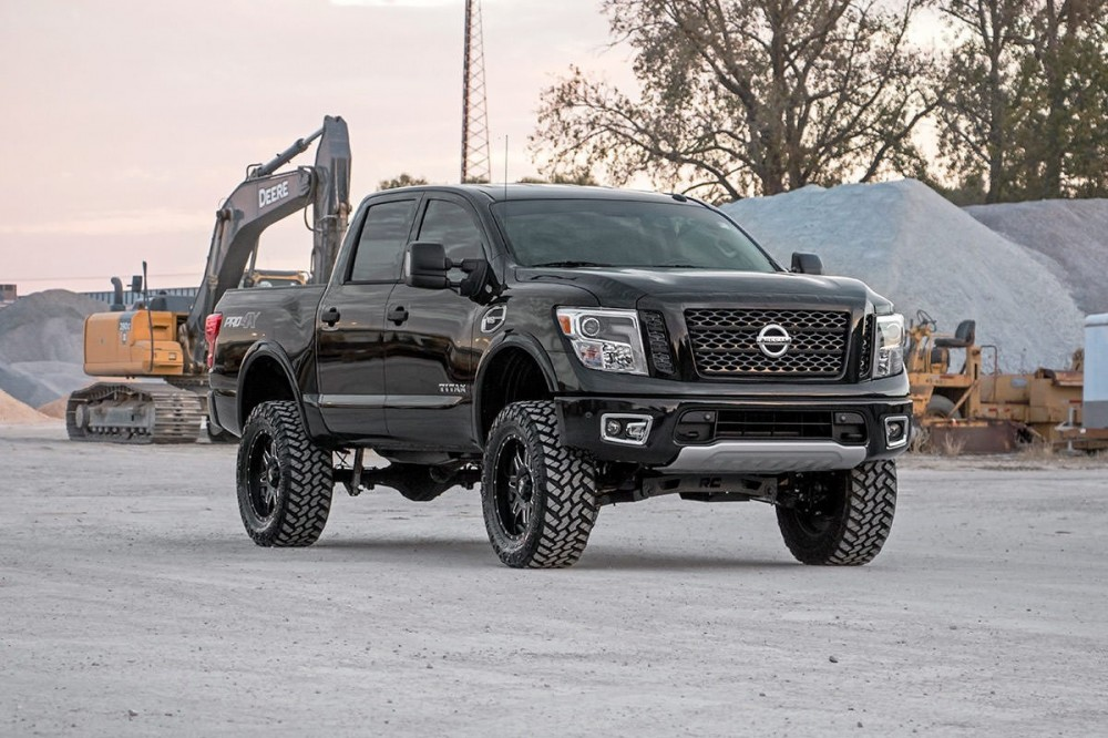 Lifted Nissan Titan >> Rough Country 6 Nissan Suspension Lift Kit 2017 19 Titan 4wd