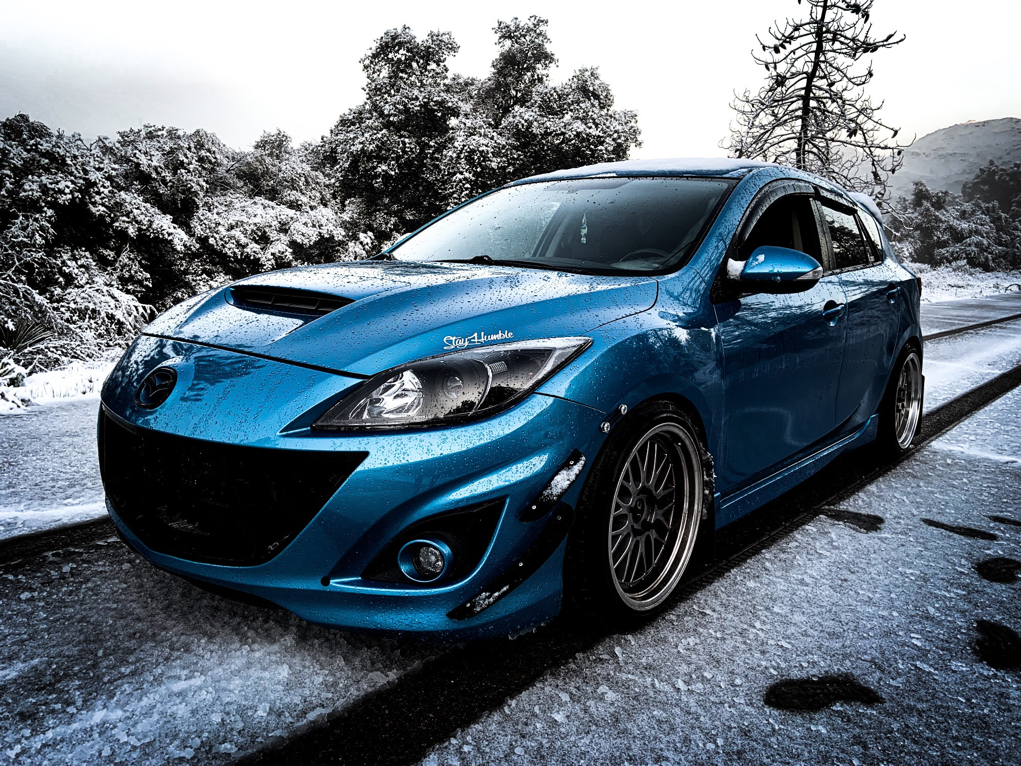 Mazdaspeed3 in the snow