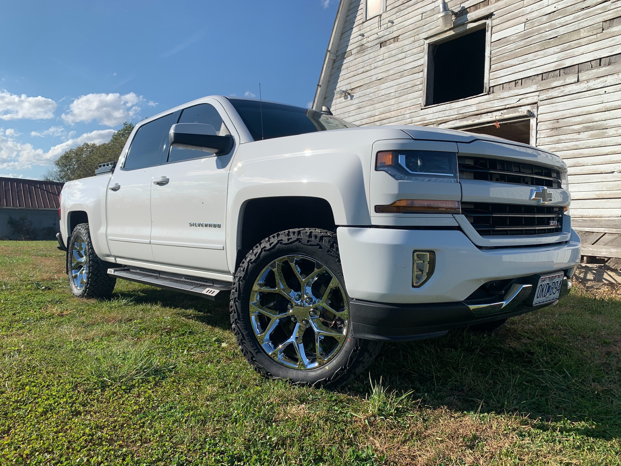 Silverado with 2.5 inch leveling kit