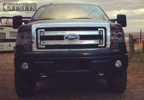 2013 Ford F-150 - 18x8.5 31mm - Stock Ford - Leveling Kit - 275/70R18