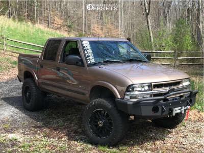 "2002 Chevrolet S10 - 18x9 0mm - Anthem Off-Road Equalizer - Suspension Lift 6"" - 285/65R18"