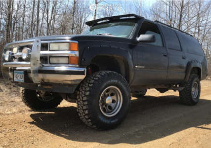 "1995 Chevrolet K2500 Suburban - 16x10 -25mm - Mickey Thompson Classic Ii - Suspension Lift 4"" - 315/75R16"