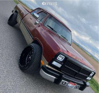 """1993 Dodge D250 - 22x14 -76mm - TIS 544bm - Suspension Lift 2.5"""" - 305/40R22"""