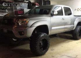 "2014 Toyota Tacoma - 18x12 -44mm - Fuel Hostage - Suspension Lift 7"" - 33"" x 12.5"""