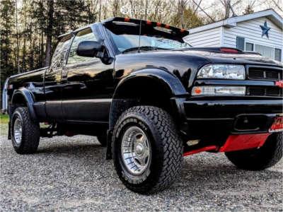 "1999 Chevrolet S10 - 15x10 -12mm - Center Line Hellcat - Stock Suspension - 31"" x 10.5"""