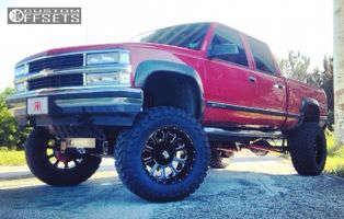 "2000 Chevrolet K2500 - 22x12 -44mm - XD Bomb - Suspension Lift 9"" - 37"" x 13.5"""