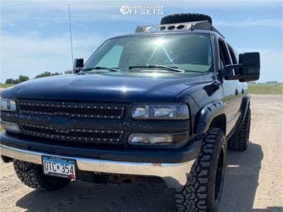 2006 Chevrolet Suburban 1500 - 20x12 -44mm - Ultra Xtreme X108 - Leveling Kit - 305/55R20