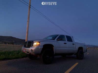 "2006 Dodge Dakota - 17x8 0mm - Moto Metal Mo970 - Suspension Lift 3.5"" - 265/70R17"