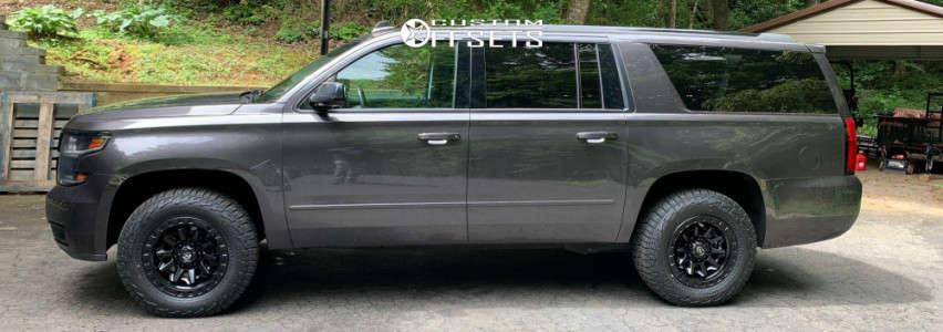 2017 Chevrolet Suburban - 18x9 20mm - Fuel Covert - Leveling Kit - 275/65R18