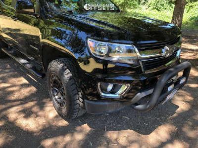 """2018 Chevrolet Colorado - 17x9 12mm - Black Rhino York - Suspension Lift 2.5"""" - 255/75R17"""
