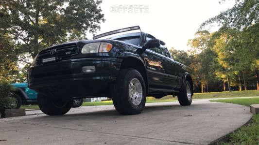 "2002 Toyota Tundra - 16x8 0mm - Pro Comp Series 18 - Suspension Lift 2.5"" - 25"" x 8.5"""