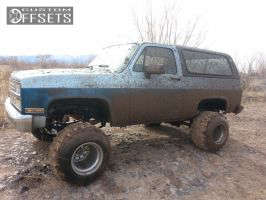 "1990 Chevrolet Blazer - 15x14 -114.3mm - Real pro 6 - Suspension Lift 6"" - 33"" x 14"""