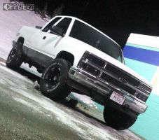 "1997 Chevrolet K1500 - 16x9 -12mm - Moto Metal MO951 - Leveling Kit - 33"" x 12.5"""