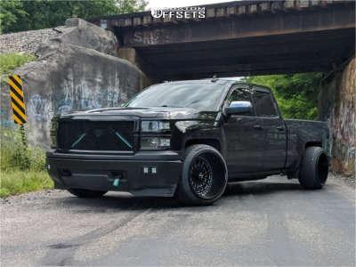 2015 Chevrolet Silverado 1500 - 22x14 -81mm - ARKON OFF-ROAD Crown Series Triumph - Lowered 2F / 4R - 305/35R22