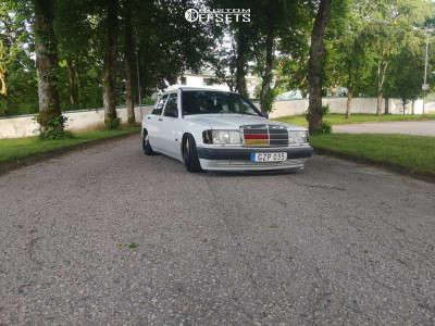 1991 Mercedes-Benz 190E - 17x8 25mm - Brabus Monoblock Ll - Coilovers - 215/35R17