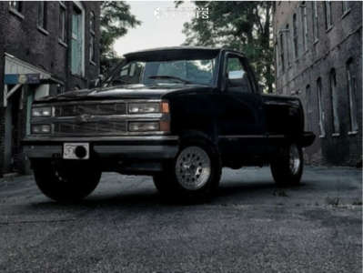 """1995 Chevrolet K1500 - 16x8 -0mm - American Racing Outlaw Ii - Stock Suspension - 31"""" x 10.5"""""""