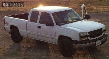 """2004 Chevrolet Silverado 1500 - 17x9 0mm - Black Rhino Keyhole - Stock Suspension - 32"""" x 10.5"""""""