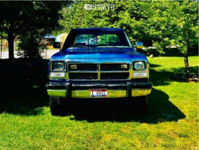 "1991 Dodge W250 - 20x12 -44mm - Hostile H108 - Stock Suspension - 33"" x 12.5"""