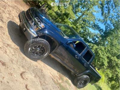 """2005 Chevrolet Colorado - 18x10 -24mm - Fuel Krank - Suspension Lift 2.5"""" - 33"""" x 18.5"""""""