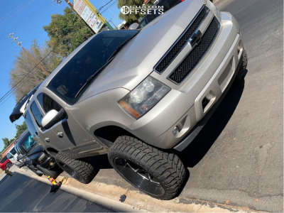 "2008 Chevrolet Tahoe - 26x12 -44mm - Hostile Omega - Suspension Lift 7.5"" - 37"" x 13.5"""