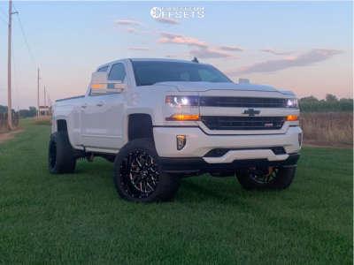 "2018 Chevrolet Silverado 1500 - 20x12 -44mm - Hostile Sprocket - Suspension Lift 5.5"" - 305/55R20"