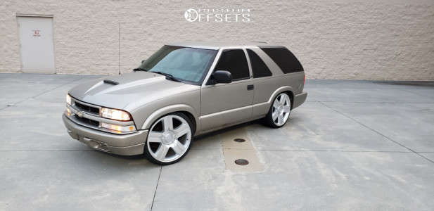 2003 Chevrolet Blazer - 22x9 0mm - Oe Performance 147 - Lowered 4F / 6R - 255/30R22