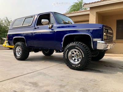 "1989 Chevrolet K5 Blazer - 15x10 -47mm - Pro Comp 69 - Suspension Lift 2.5"" - 33"" x 12.5"""
