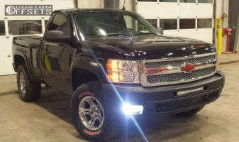 "2013 Chevrolet Silverado 1500 - 17x9 0mm - XD Crank - Leveling Kit - 33"" x 12.5"""