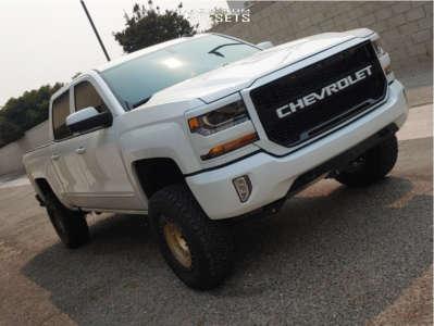 "2016 Chevrolet Silverado 1500 - 17x8 6mm - Method Standard - Suspension Lift 4"" - 285/70R17"