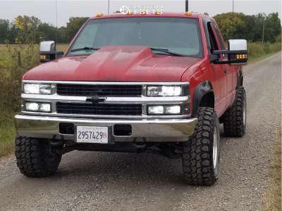 1998 Chevrolet K2500 - 16x10 -25mm - Pro Comp Series 69 - Stock Suspension - 285/75R16