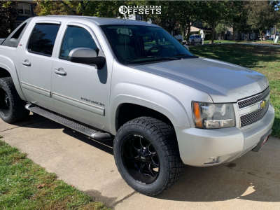 """2010 Chevrolet Avalanche - 20x10 -18mm - Moto Metal Mo970 - Leveling Kit - 33"""" x 12.5"""""""
