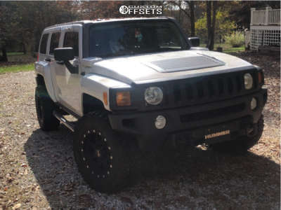 """2008 Hummer H3 - 18x9.5 -0mm - Pro Comp 31 - Stock Suspension - 35"""" x 18.5"""""""