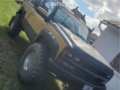 "1989 Chevrolet K1500 - 15x10 -45mm - American Racing Razor - Suspension Lift 7"" - 38"" x 15.5"""