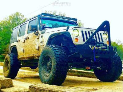 "2014 Jeep Wrangler JK - 17x9 -24mm - TIS 538b - Suspension Lift 7"" - 37"" x 12.5"""