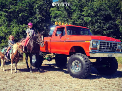 """1979 Ford F-250 - 16.5x12 -44mm - Mickey Thompson Bullet Hole - Suspension Lift 9"""" - 40"""" x 13.5"""""""