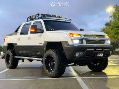 "2002 Chevrolet Avalanche 2500 - 20x12 -44mm - Moto Metal Mo962 - Suspension Lift 6"" - 35"" x 12.5"""