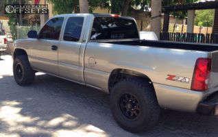 2002 Chevrolet Silverado 1500 - 16x9 -12mm - XD Enduro - Leveling Kit - 305/70R16