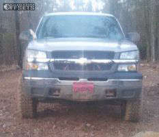 "2005 Chevrolet Silverado 1500 - 17x9 12mm - Ultra Mongoose - Suspension Lift 5"" - 33"" x 12.5"""