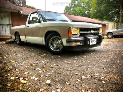 1991 Chevrolet S10 - 15x8 0mm - Jegs Rally - Stock Suspension - 215/60R15