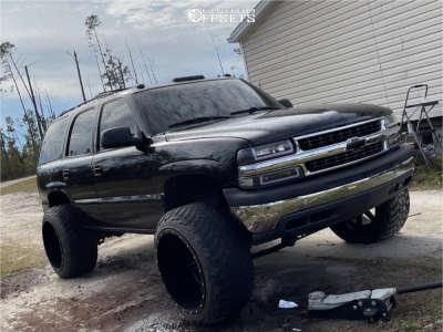 "2002 Chevrolet Tahoe - 24x16 -100mm - Fuel Maverick - Suspension Lift 6"" - 37"" x 13.5"""