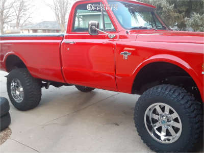 "1968 Chevrolet K10 Pickup - 18x10 -24mm - Moto Metal Mo962 - Suspension Lift 6"" - 295/70R18"